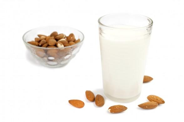 How to make Almond Milk ?